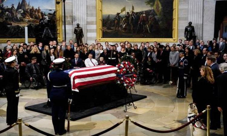 Despiden a ex presidente George H.W. Bush en el Capitolio en Washington