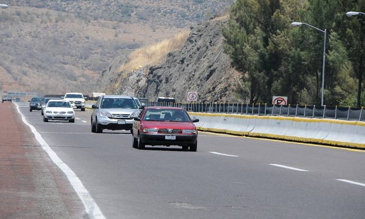 No maneje cansado para prevenir accidentes en carreteras