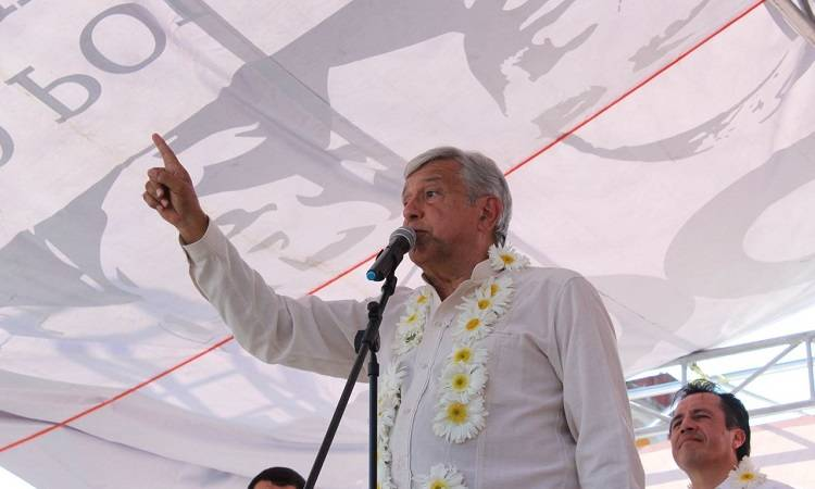 AMLO descarta que Meade sea cercano competidor
